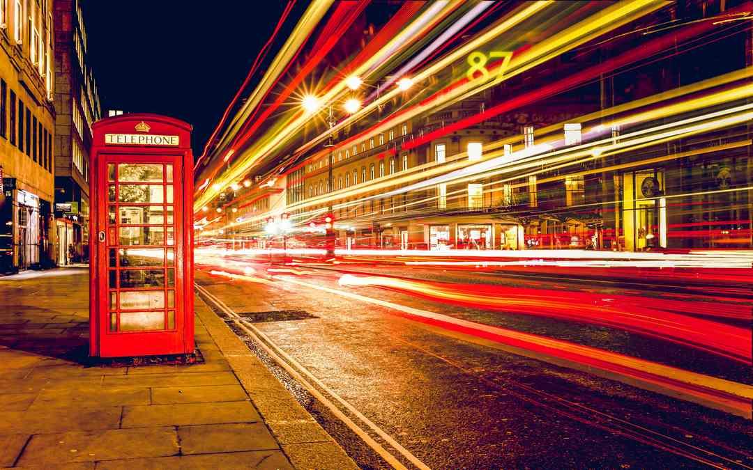 Inviare un pacco da Londra in Italia: cosa bisogna fare